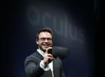Oculus Rift虚拟现实头盔亮相,将绑定Xbox One手柄