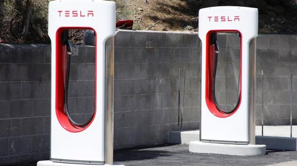 Tesla特斯拉充电桩