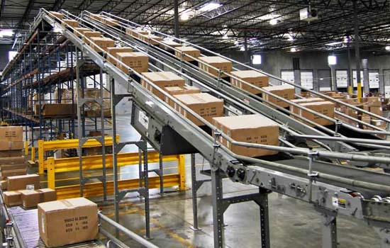 boxesonconveyor