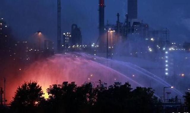 德国巴斯夫化工厂爆炸